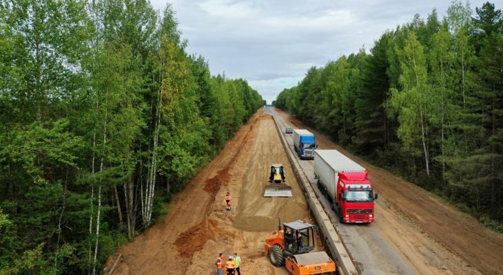 Кировские дальнобойщики помогли отремонтировать 130 мостов и несколько тысяч километров дорог