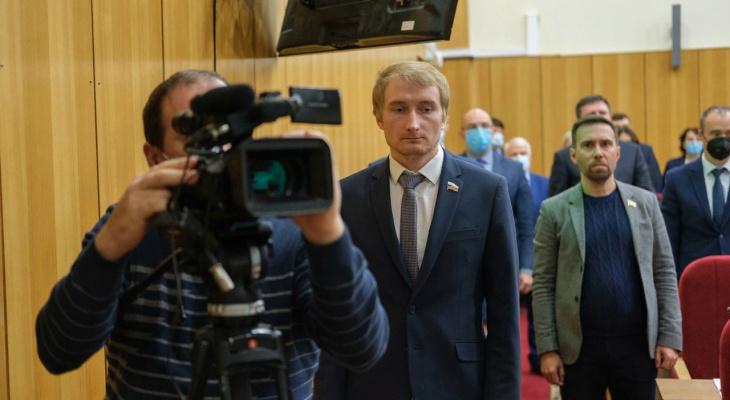 Сменили борьбу с коронавирусом на депутатские кресла: в областном Заксобрании появились двое врачей