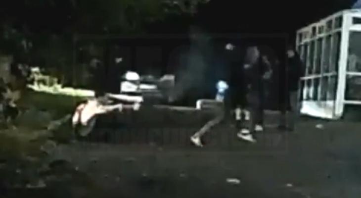 Появилось видео со стрельбой и дракой возле ночного клуба в Кирове