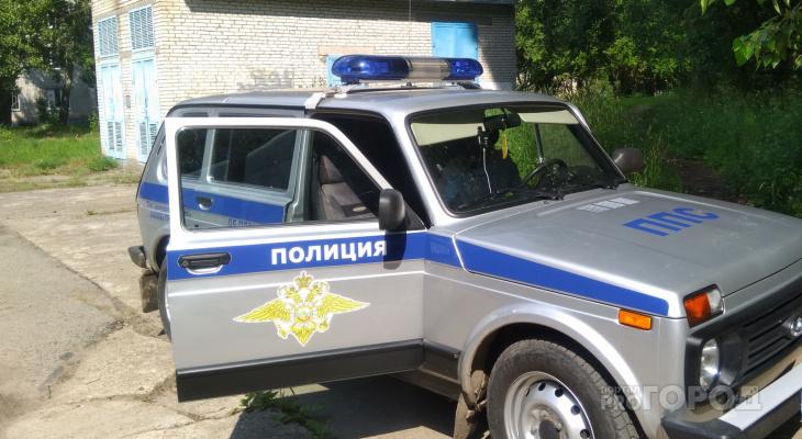 В Кировской области из квартиры пенсионера похитили 100 тысяч рублей
