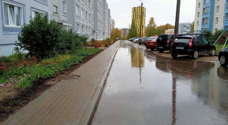 Впервые за 30 лет преобразился двор на улице Боровой в Коминтерне