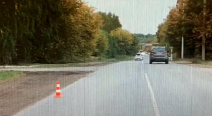 В Кирове неизвестный водитель сбил велосипедиста и скрылся