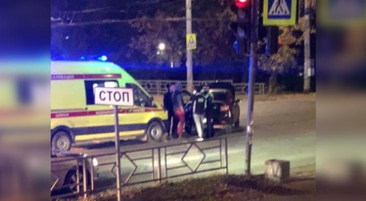 В центре Кирова в ДТП пострадал водитель иномарки Volkswagen Polo