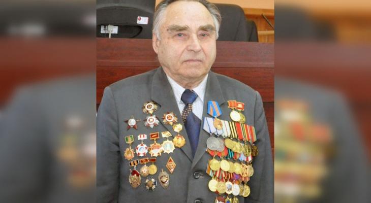 В Кировской области вынесли приговор сиделке, укравшей у ветерана 15 орденов и миллион рублей