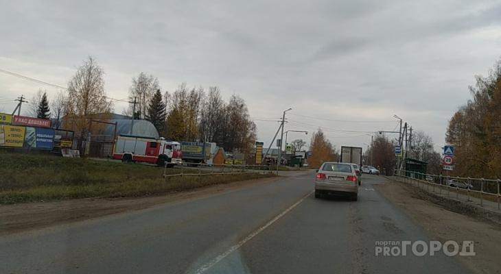 В кировской школе обнаружили подозрительный предмет: на месте работали экстренные службы